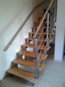 Poręcze przy schodach