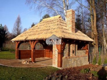 Altanka drewniana altana pod gontem drewnianym , altanka biesiadna , garaż drewniany garaże gonty