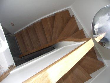 Projekt, wykonanie i montaż schodów, oferta