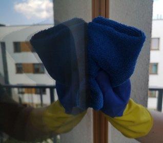 Sprzątanie mieszkań, domów, serwis sprzątający dla firm oraz pranie tapicerki meblowek, oferta