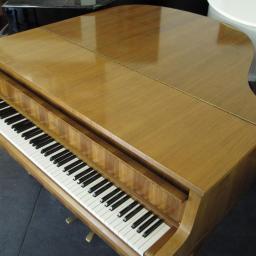 Krótki fortepian Schimmel, dł. 150cm