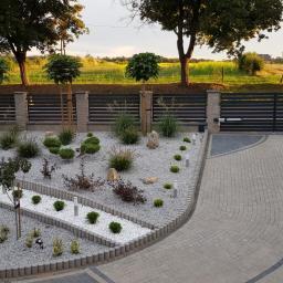 Domy i Ogrody - Montaż ogrodzenia Kościan