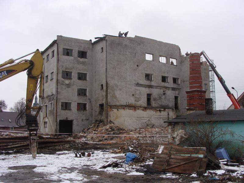 Ogromny Zlecę rozbiórkę konstrukcji stalowej hali, pow. 400m2 Wrocław QN05