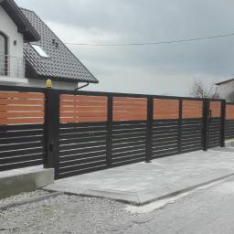 Ogrodzenia palisadowe panelowe betonowe siatkowe FHU BORDER TOMASZ MOROŃSKI, MICHAŁ STRACH SPÓŁKA - Siatka Ogrodzeniowa Bochnia