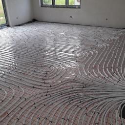 Jesteśmy w stanie wykonać wszelkie prace instalacyjne wraz z przyłączami do budynku. Pomożemy w załatwieniu zawiłych formalności.