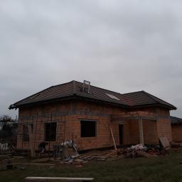 Dach-Bud Dekarstwo-ciesielstwo Budowa domów - Krycie dachów Brzeg
