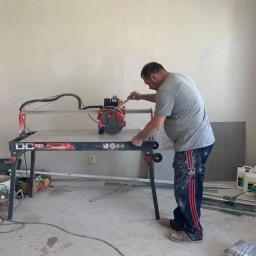 Profesjonalne docinanie płytek - realizacja remontu łazienki w Piasecznie
