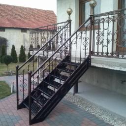 Balustrada Kuta wraz z konstrukcją schodów