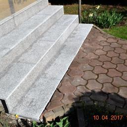Marmur na schodach