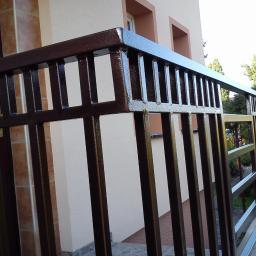 balustrada nowoczesna gięta