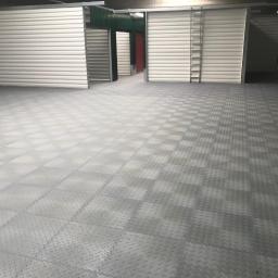 płytki Fortelock - szybka podłoga do samodzielnego montażu, wersja garażowo-warsztatowa - ECO - oraz płytki w szerokiej gamie kolorów z przeznaczeniem do każdego rodzaju pomieszczenia