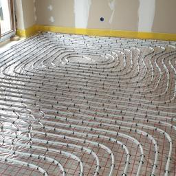 Instalacja ogrzewania podłogowego niskotemperaturowe (rozstaw rur co 10cm)