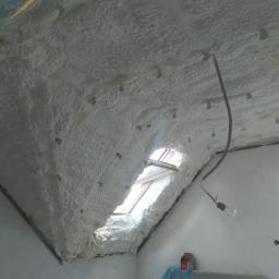Crossin Attic Soft - izolacja natryskowa połaci dachu na poddaszu użytkowym