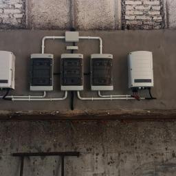 Nawet w bud. gosp. dbamy o estetykę i prawidłowy montaż (solaredge 2 x 25kW)