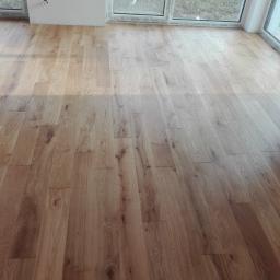 Podłoga drewniana układana na klej