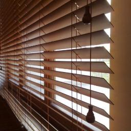Rolety materiałowe, markizy, rolety noc i dzień, plisy, żaluzje drewniane i aluminiowe