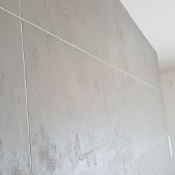 Płyty betonowe wykonane w  salonie