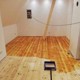 Podłoga została pokryta 2 razy olejem na koniec efekt efekt - znakomity-a i w dobrej cenie