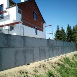 Mur oporowy 290 cm wysokości