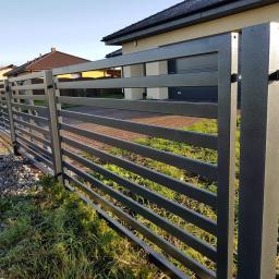 Nowoczesne ogrodzenie- Moderne zaune, Schiebetore Profil 60x20mm