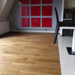 Podłoga w wykonaniu dębowych paneli firmy  Finishparkiet
