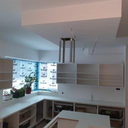 wykonane gładzie oraz sufit podwieszany