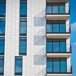 FUTURA PLAST Okna, drzwi, bramy - Bramy Garażowe Nowy Sącz