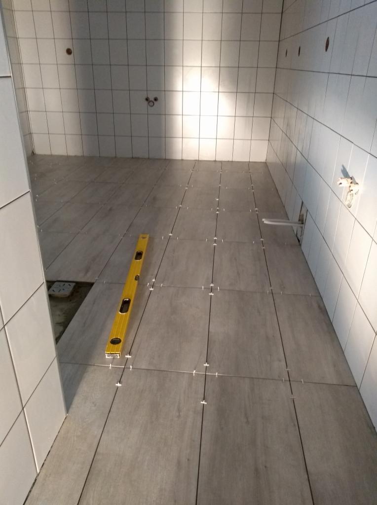 Ogromny Zlecę położenie płytek w kotłowni ok. 4m2 i łazience ok. 36m2 AZ65