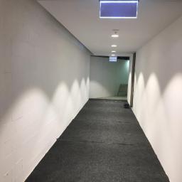Wykonanie malowania korytarzy w galeri handlowej