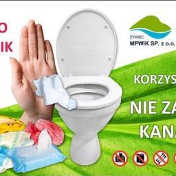 """Baner MPWiK Sp. z o. o. w Żywcu """"Toaleta to nie śmietnik"""""""