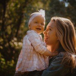 Zdjęcia dziecięce i rodzinne w plenerze