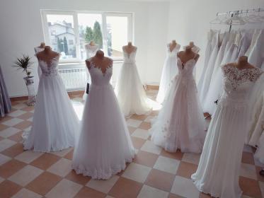 Salon Sukien Ślubnych MADLEN - Wypożyczalnia strojów Przeworsk