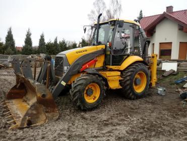 Usługi Koparkoładowarka, prace ziemne, przygotowanie terenu pod budowę - Fundamenty Pod Dom Świnoujście