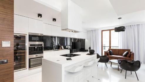 Perfect House - Mycie okien Karwiany