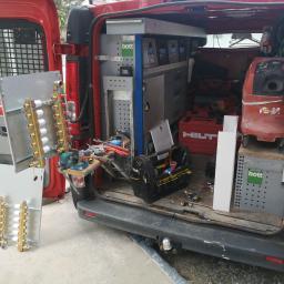 Ciężkie życie instalatora :)