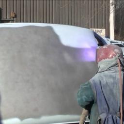 Cynkowanie natryskowe pojazdu po obróbce strumieniowo ściernej