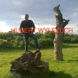 HUBERT WYLEŻUCH - Altany z Bali Strumień