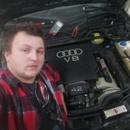 """""""V ENGINE"""" serwis aut i motocykli - Wymiana olejów i płynów Radom"""