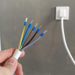 Bezpieczne instalacje elektryczne i kryteria doboru wykonawcy