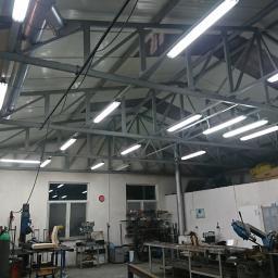 Modernizacja oświetlenia z świetlówek na świetlówki LED barwy zimnnej.