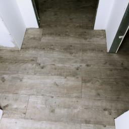 podłogi na całej powierzchni bez łączeń