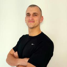 Trener personalny Kraków - Piotr Skowronek - Trener personalny Kraków