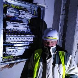 Usługi Elektryczne - Oświetlenie Elewacji Kłodawa