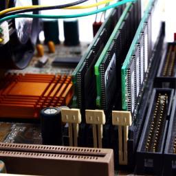 Naprawa komputerów, odkurzanie, wyciszanie, składanie komputerów na życzenie