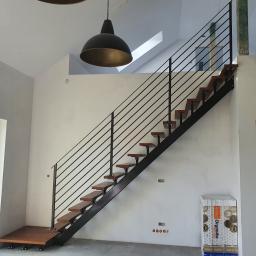 Schody metalowe ze stopniami dębowymi+balustrada ze stali czarnej...