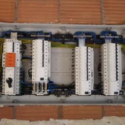 ELEKTROINSTALACJE - Oświetlenie Elewacji Piaski