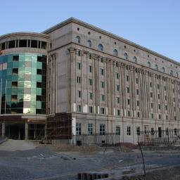 Samarkanda Hotel President, stolarka okienna i aluminiowe fasady. Budimex Wschód