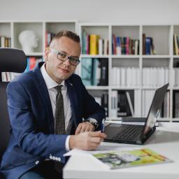 Piotr Łazorko. Tłumaczenia i nauka języka angielskiego - Tłumacze Mielec
