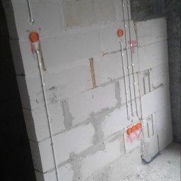 Elektryk,instalacje elektryczne. - Domofony Puck