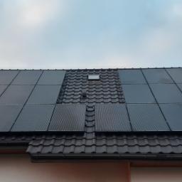 Instalacja o mocy 9,7 kW Polskie panele fotowoltaiczne Bruk-Bet Solar Full Black